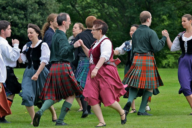 Scottish Country Dancing 640x426